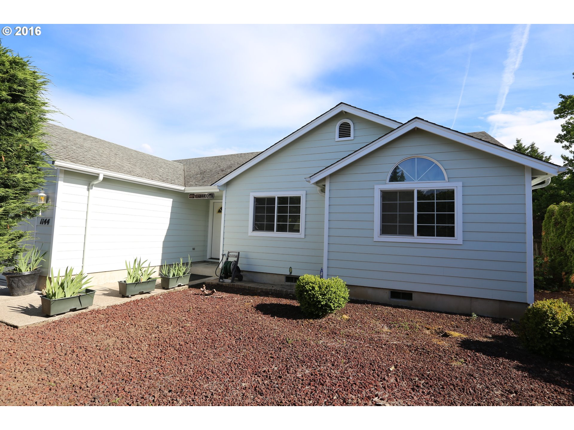 1144 CAL YOUNG RD, Eugene OR 97401