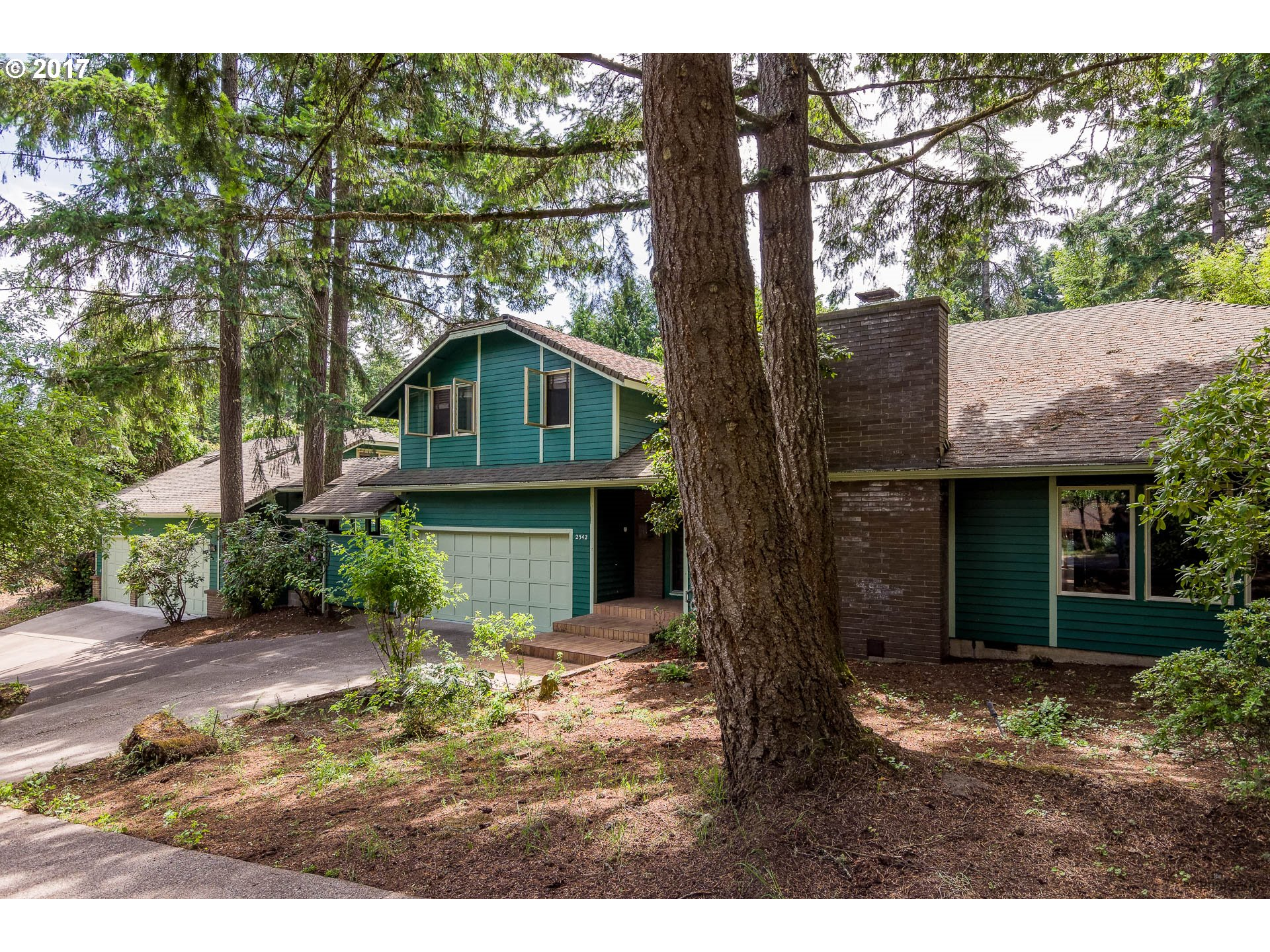 2342 W 29TH AVE, Eugene, OR 97405