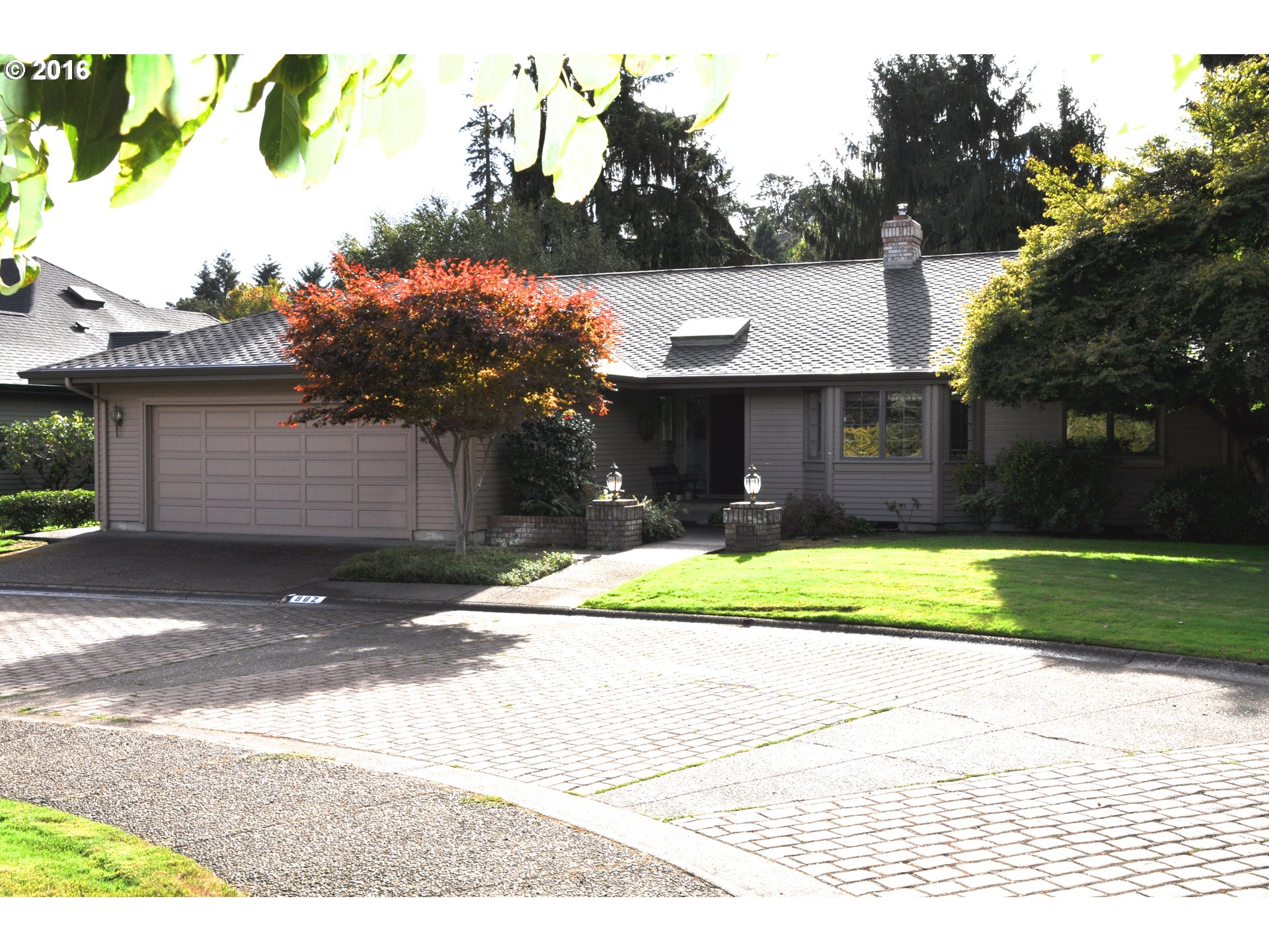 982 SHAUGHNESSY LN, Eugene OR 97401