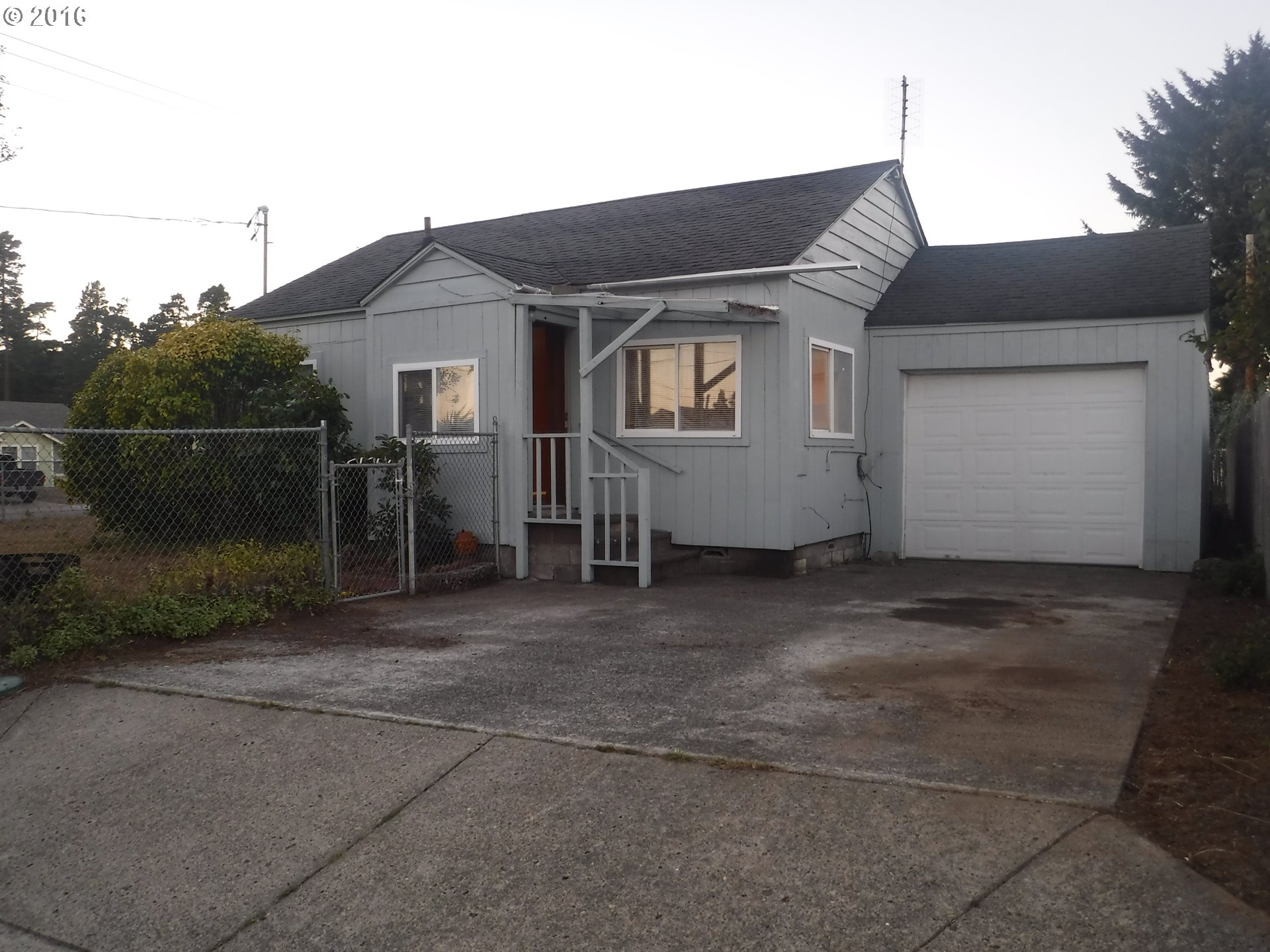 1615 36TH ST, Florence, OR 97439