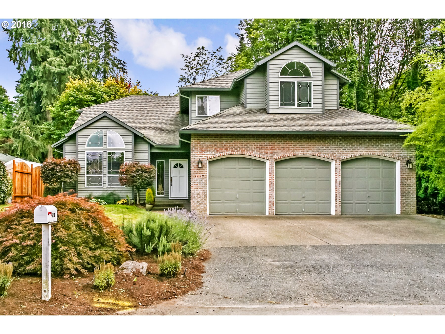 $550,000 - 4Br/3Ba -  for Sale in Maddax Woods, West Linn