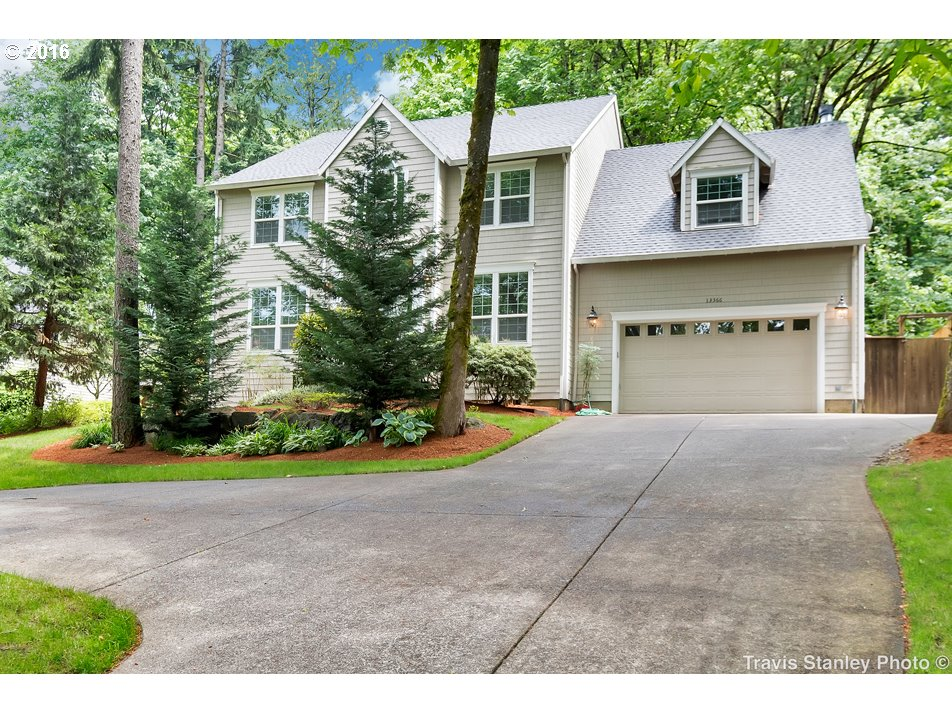 13366 BOONES FERRY RD, Lake Oswego OR 97035