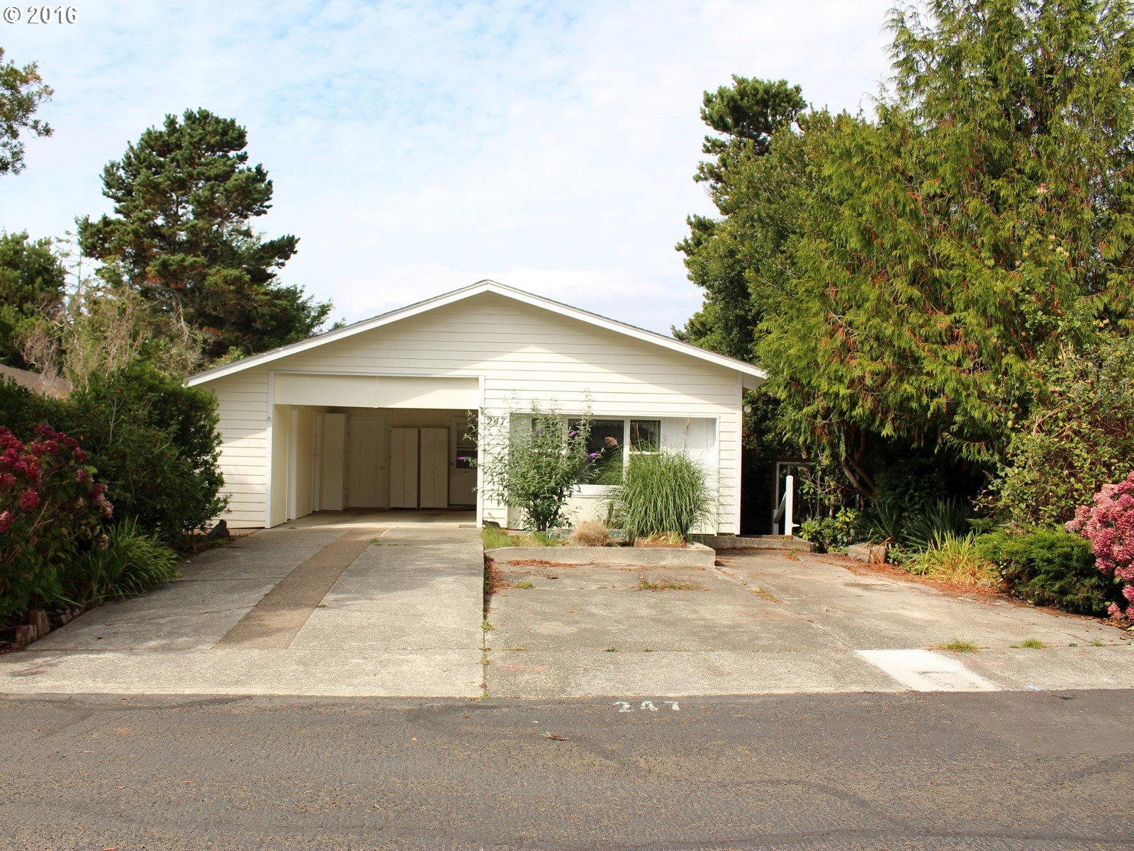 1600 RHODODENDRON DR 247, Florence, OR 97439