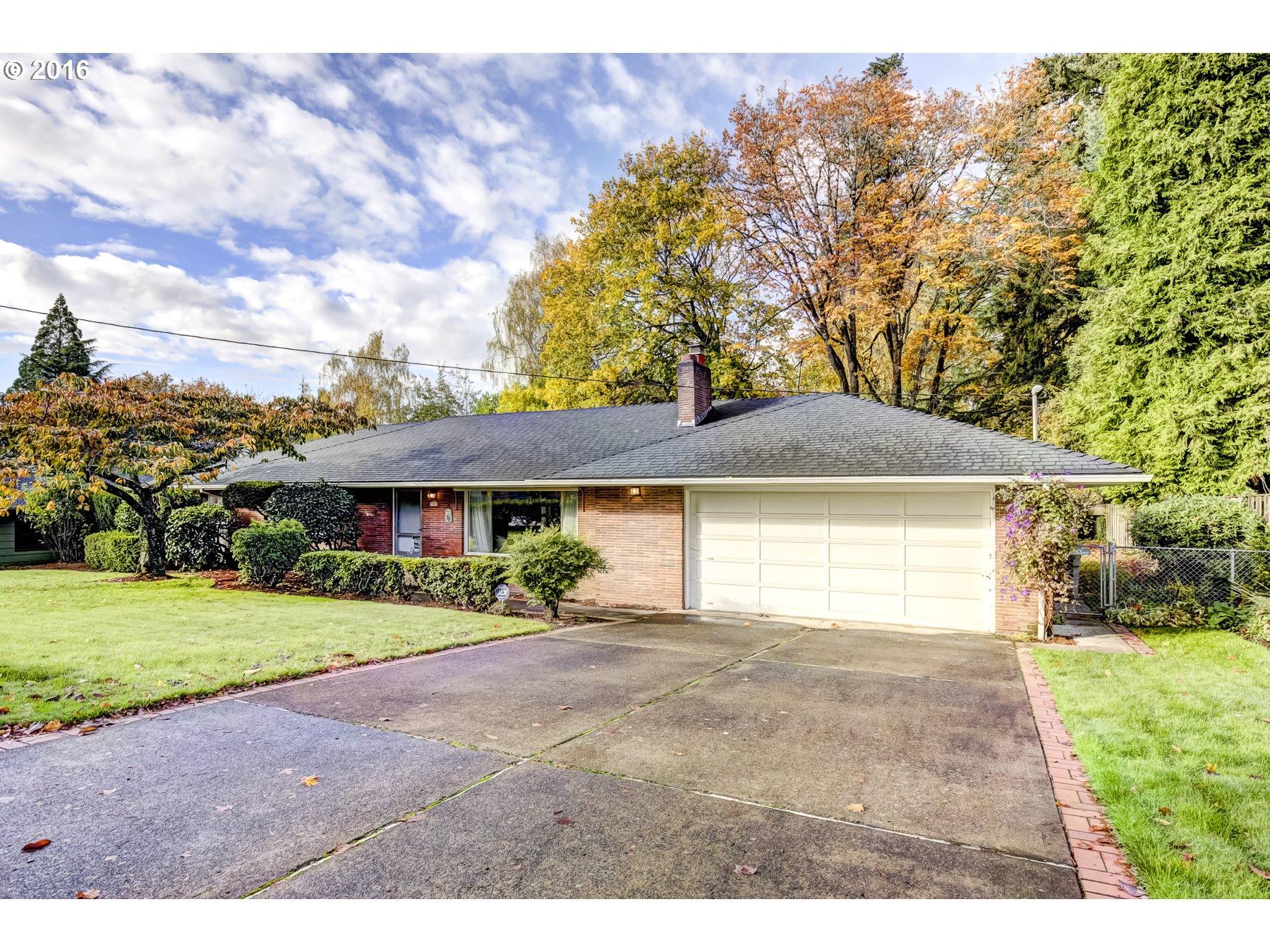 $550,000 - 3Br/2Ba -  for Sale in Vista Hills, Portland