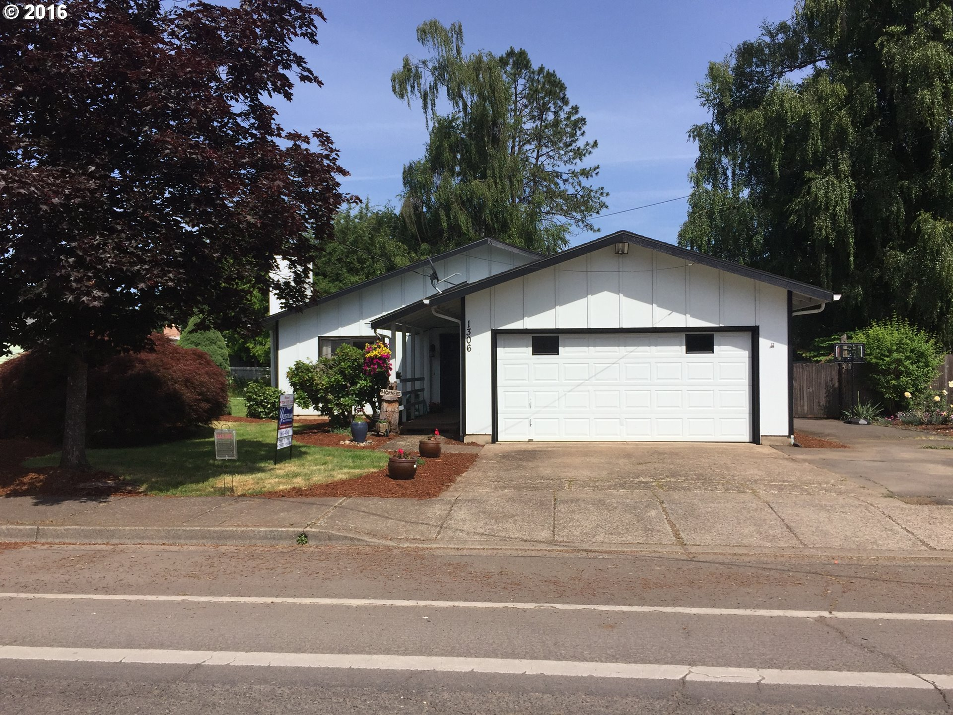 1306 S 6TH ST, Cottage Grove OR 97424