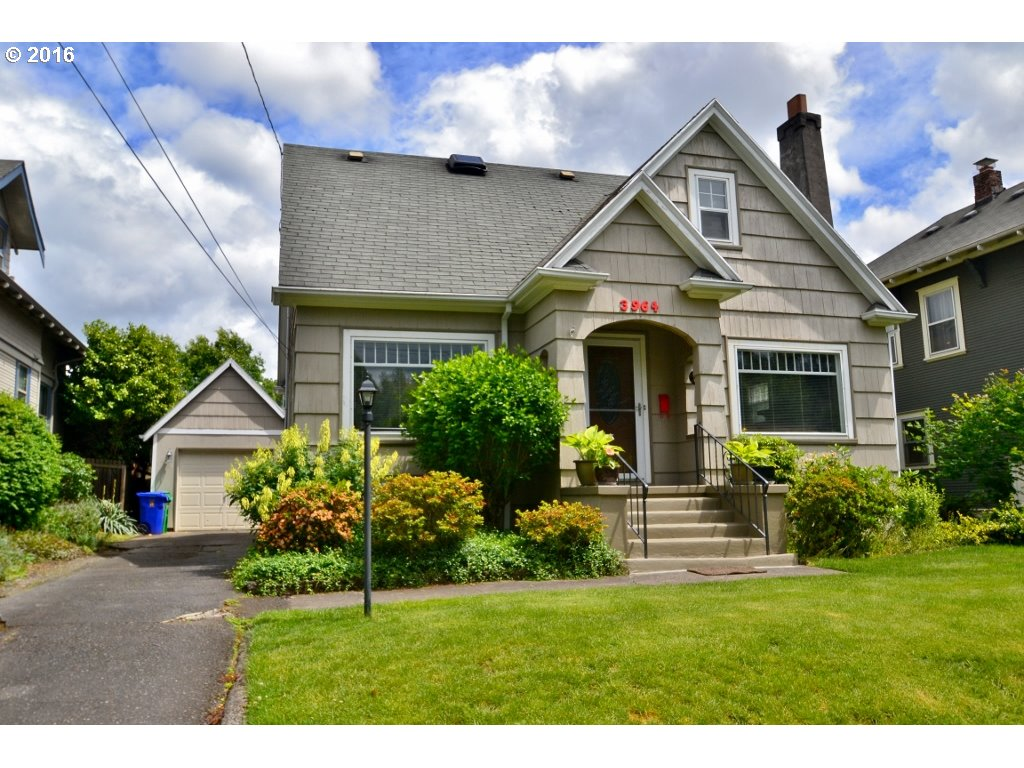 3964 N COLONIAL AVE, Portland OR 97227