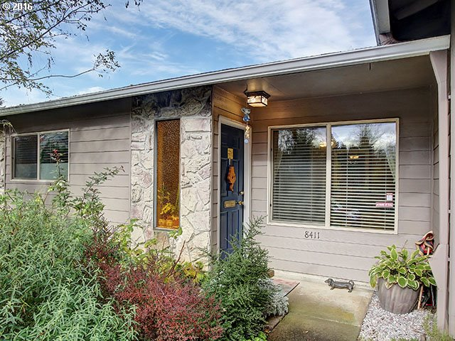 8411 SW 30TH AVE, Portland, OR 97219