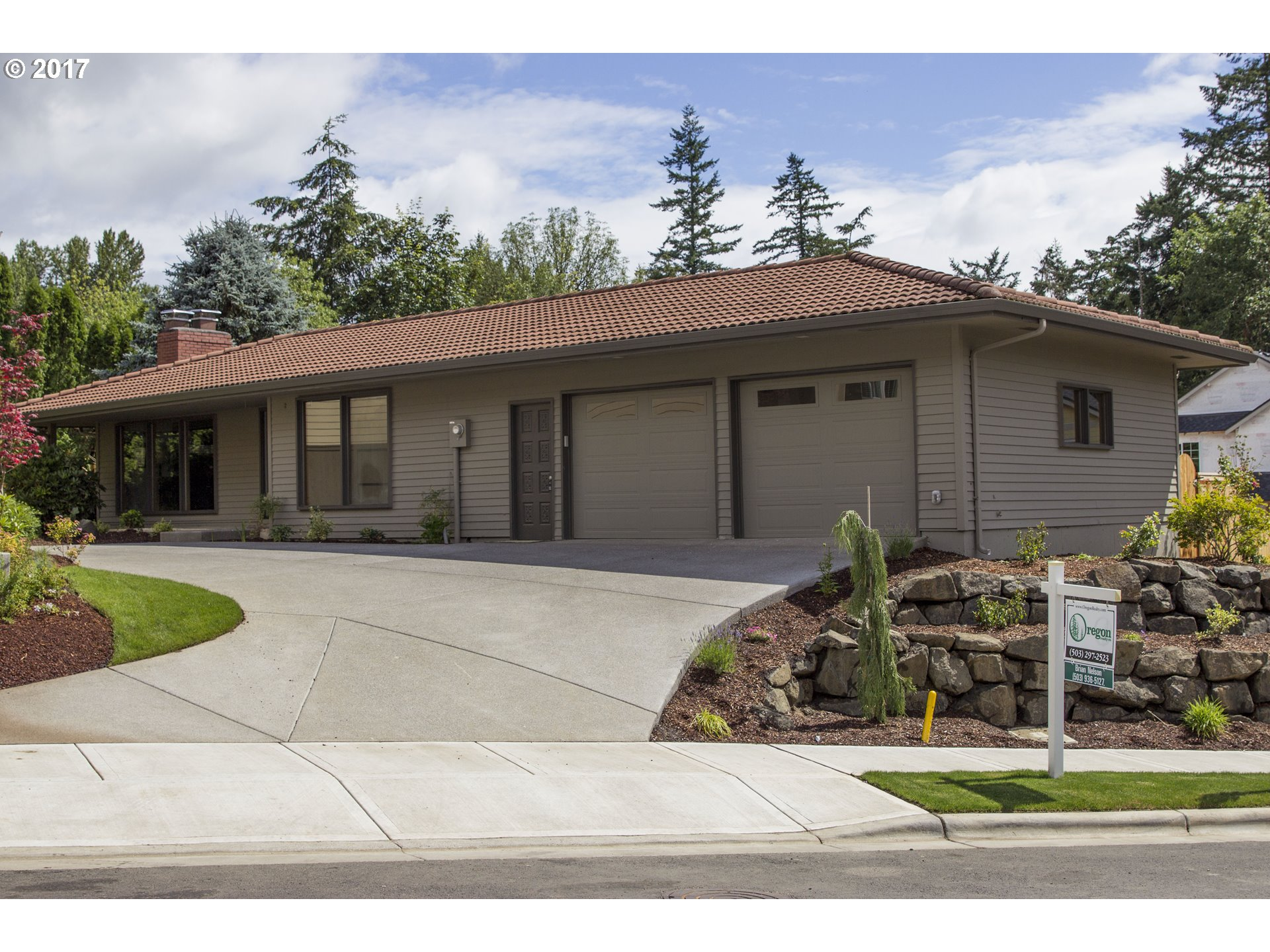 11811 NW Maple Hill LN, Portland OR 97229