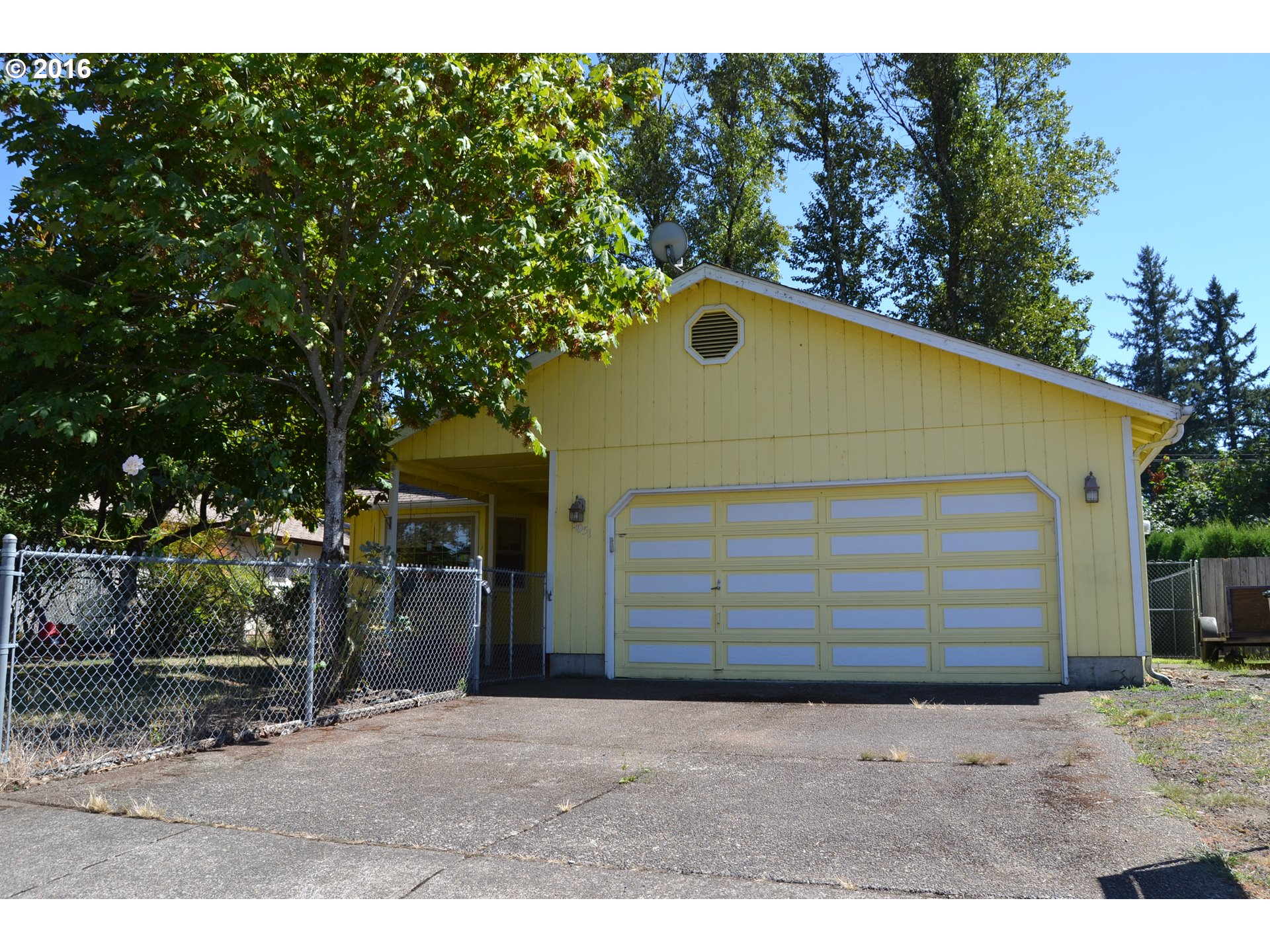 5051 FORSYTHIA DR, Springfield, OR 97478