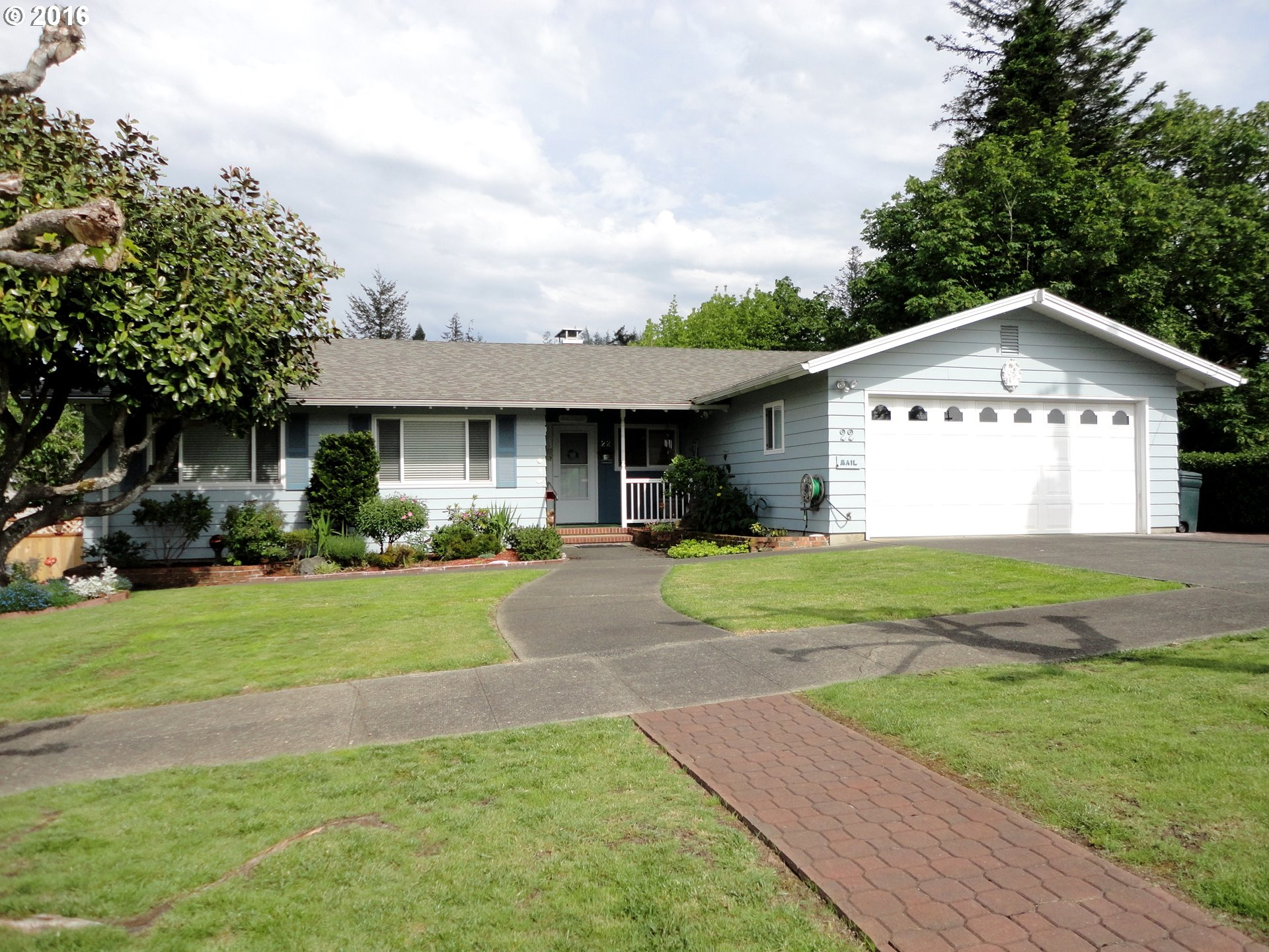 22 S DEAN , Coquille OR 97423