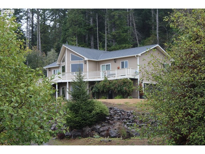 93880 SPYGLASS LN, North Bend, OR 97459