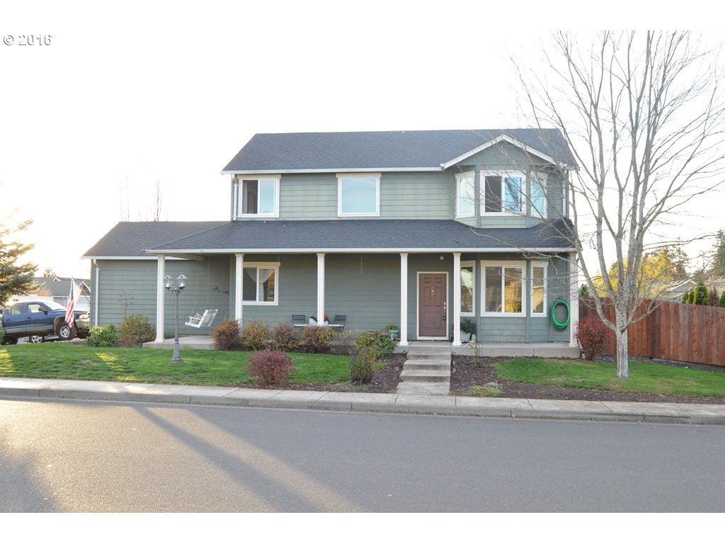 104 CANARY AVE, Creswell, OR 97426