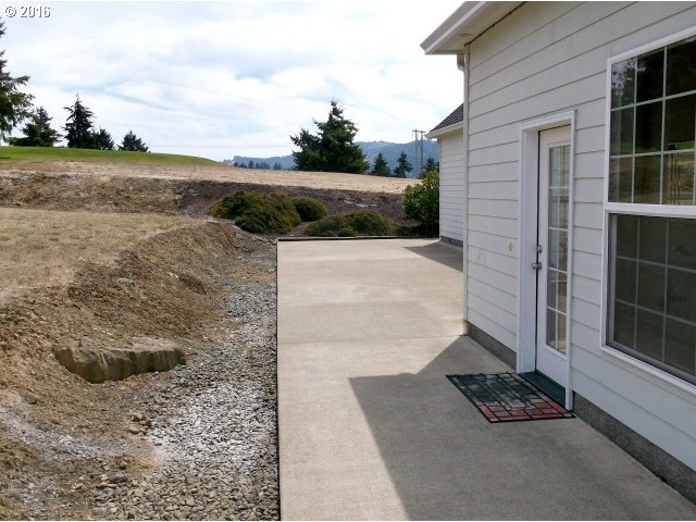 2214 EAGLE LOOP Sutherlin, OR 97479 - MLS #: 16165864