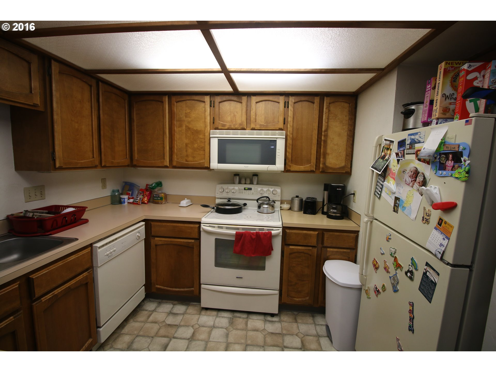880 sq. ft 2 bedrooms 2 bathrooms  House For Sale, Springfield, OR