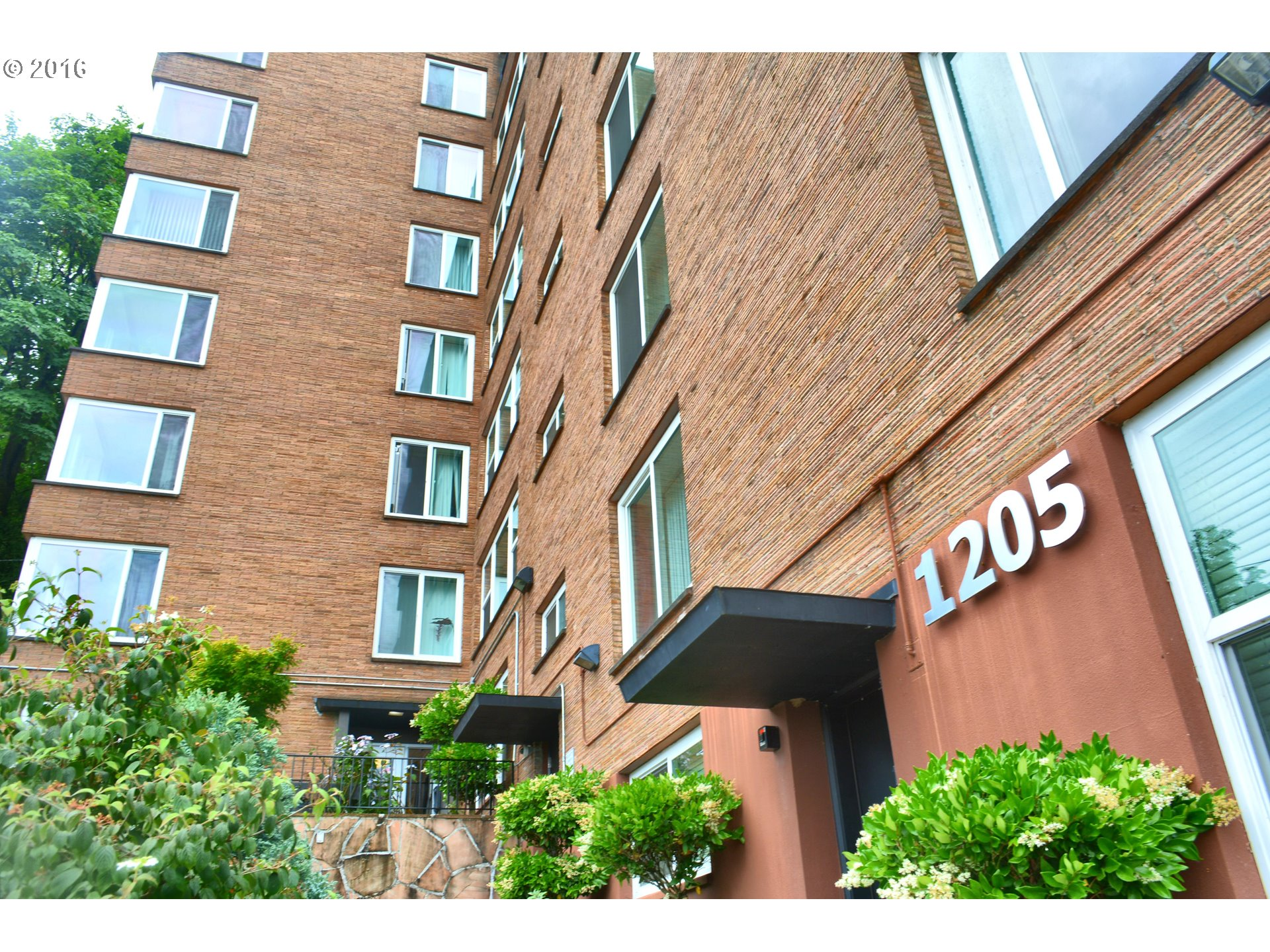 1205 SW CARDINELL DR 304, Portland, OR 97201