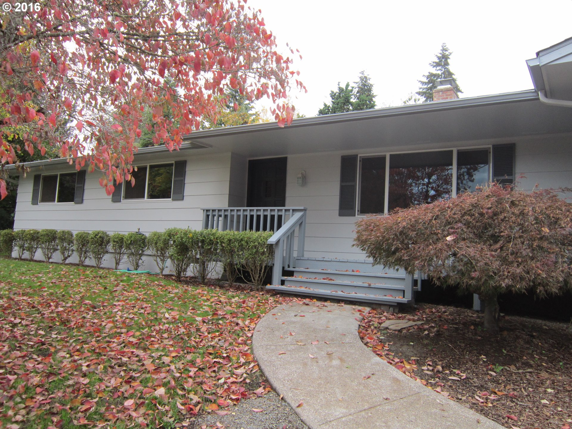 2050 HAWKINS LN, Eugene OR 97405