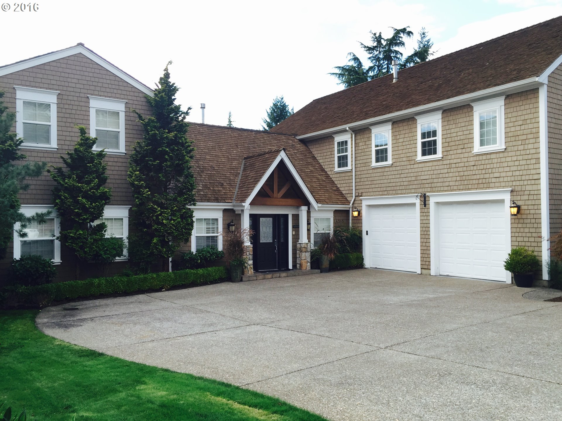 $999,500 - 4Br/5Ba -  for Sale in Tigard