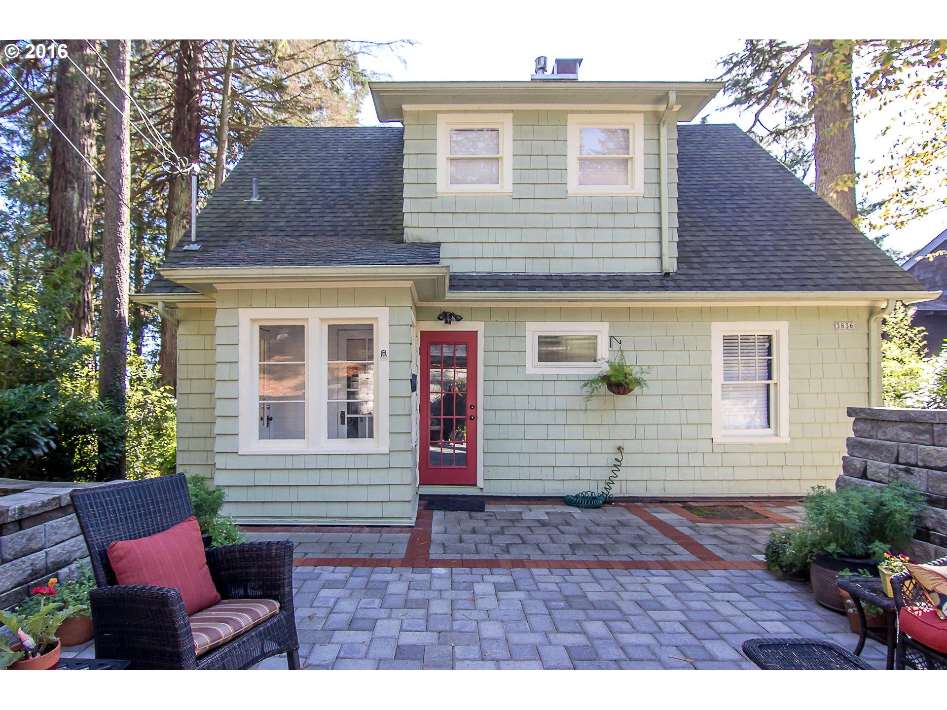 3836 Sw Hewett Blvd Portland Or 97221 Living Room Realty Portland Real Estate