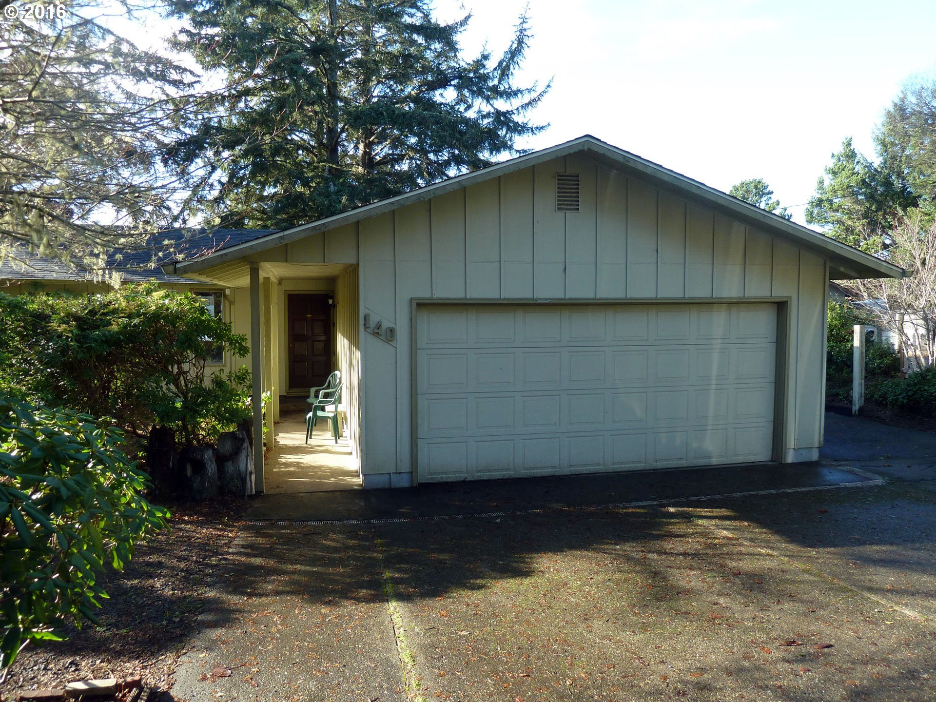 140 RHODODENDRON DR, Florence, OR 97439