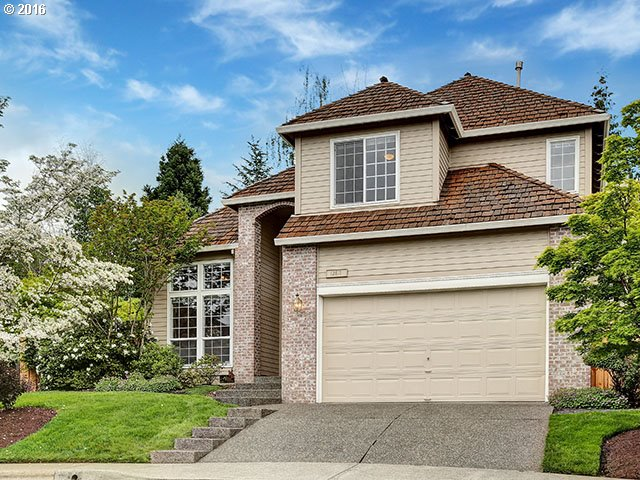 $550,000 - 4Br/3Ba -  for Sale in Bauer Crest, Portland