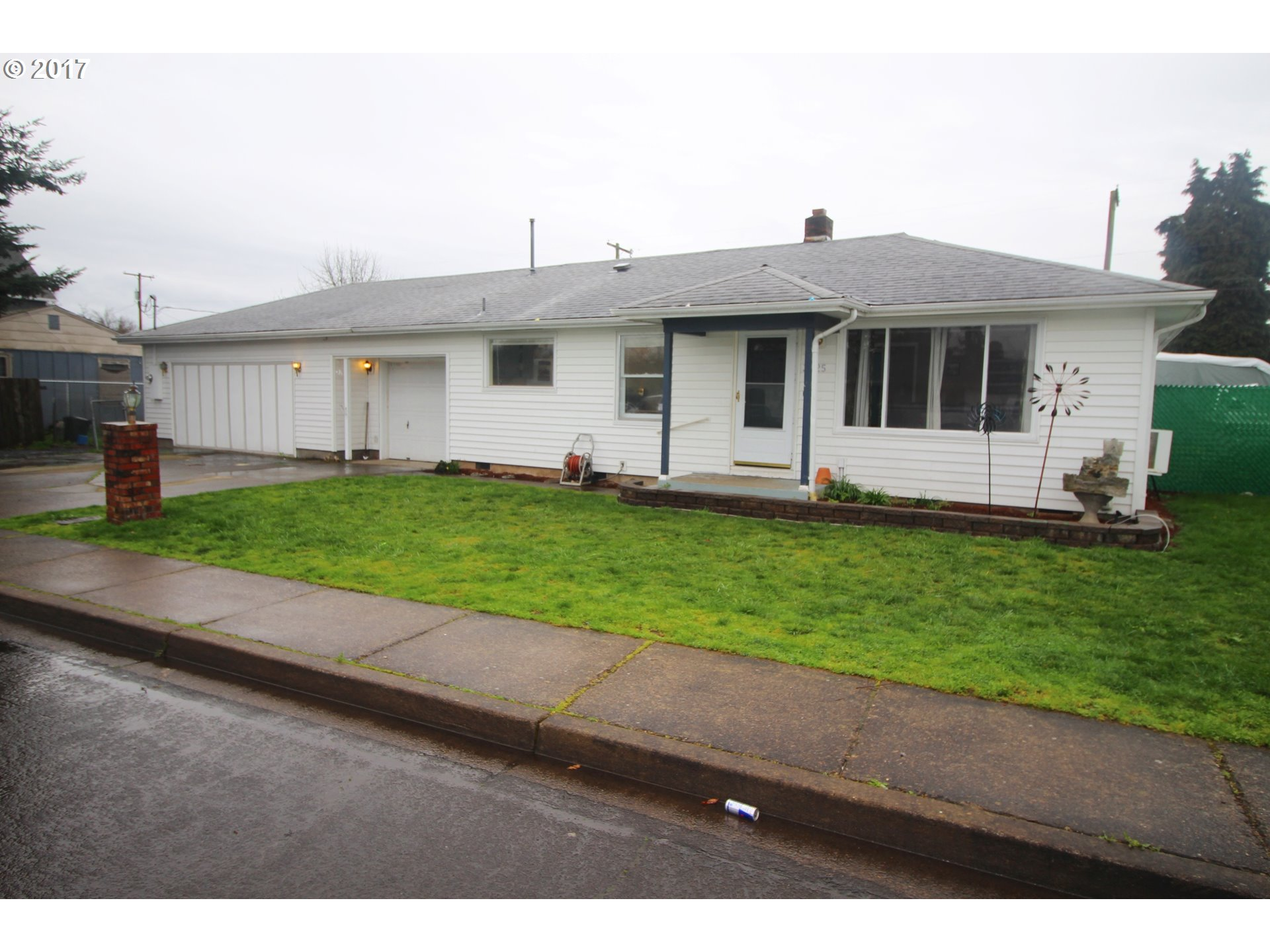 3825 VIRGINIA AVE, Springfield, OR 97478