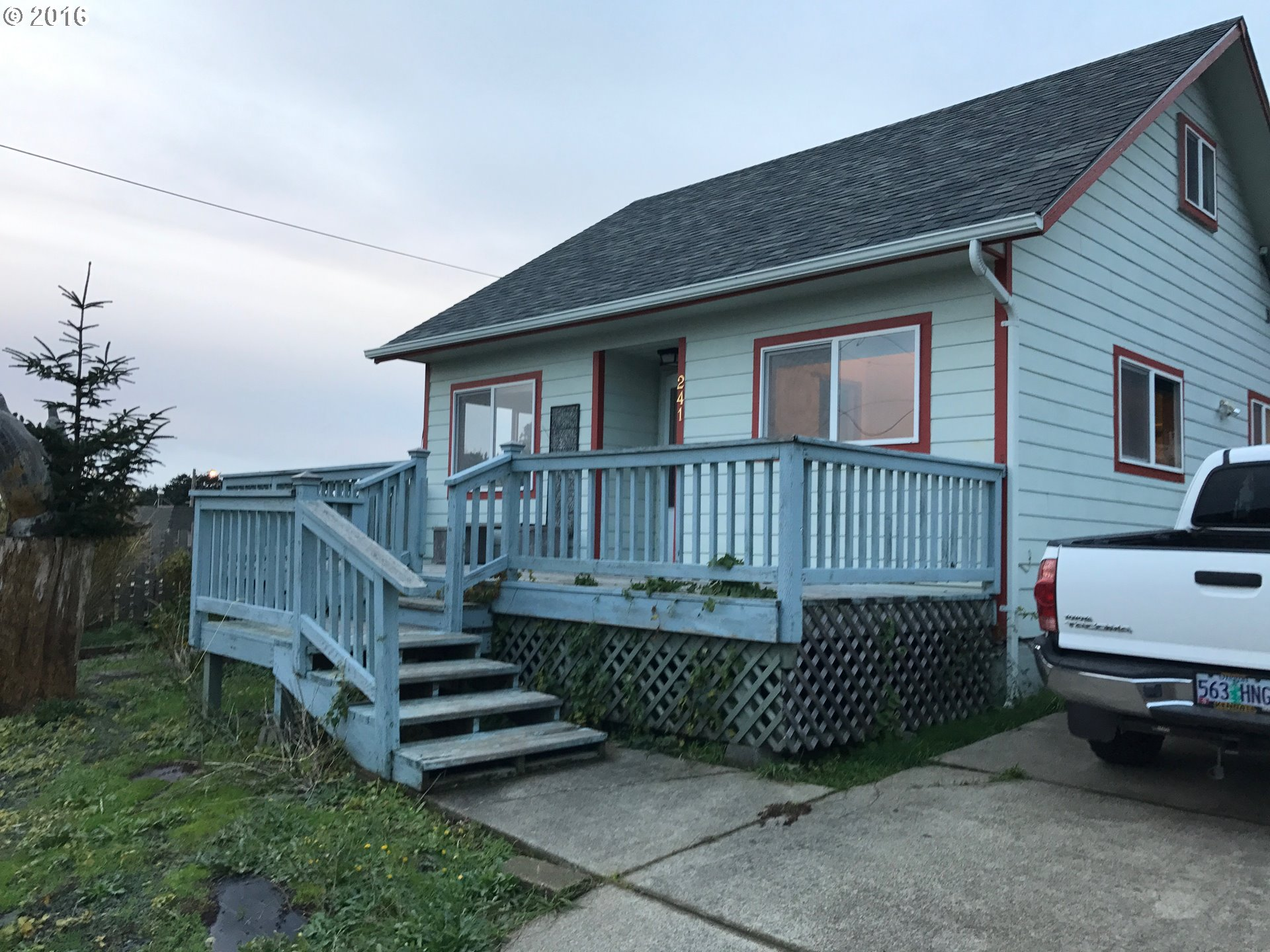 241 E 2ND ST, Yachats, OR 97498