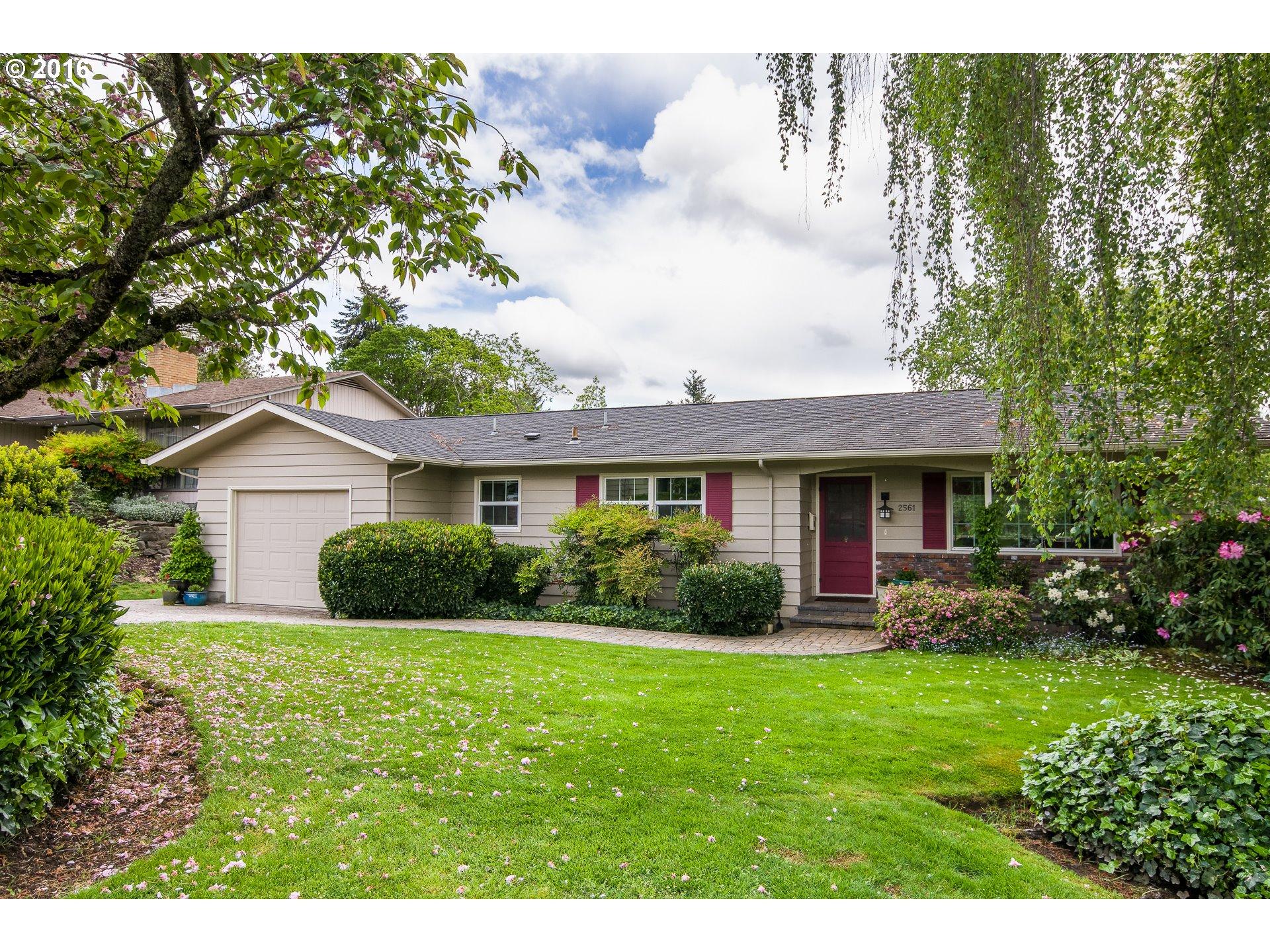 2561 LAWRENCE ST, Eugene OR 97405