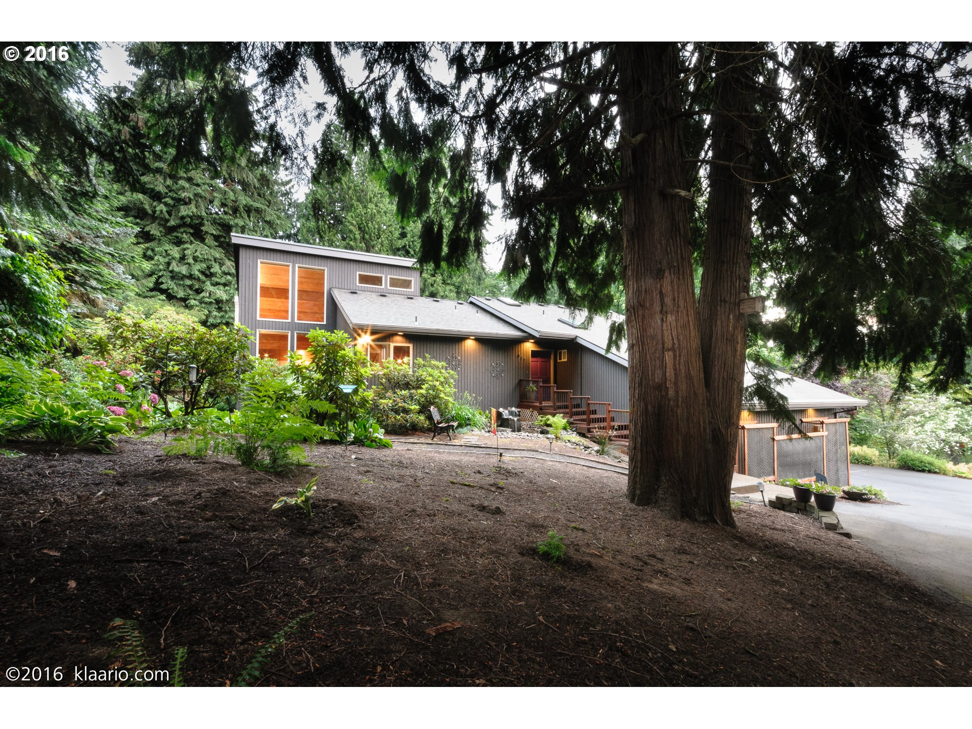 $999,997 - 4Br/4Ba -  for Sale in Portland