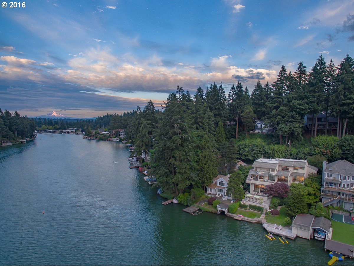 1455 LAKE FRONT RD, Lake Oswego OR 97034