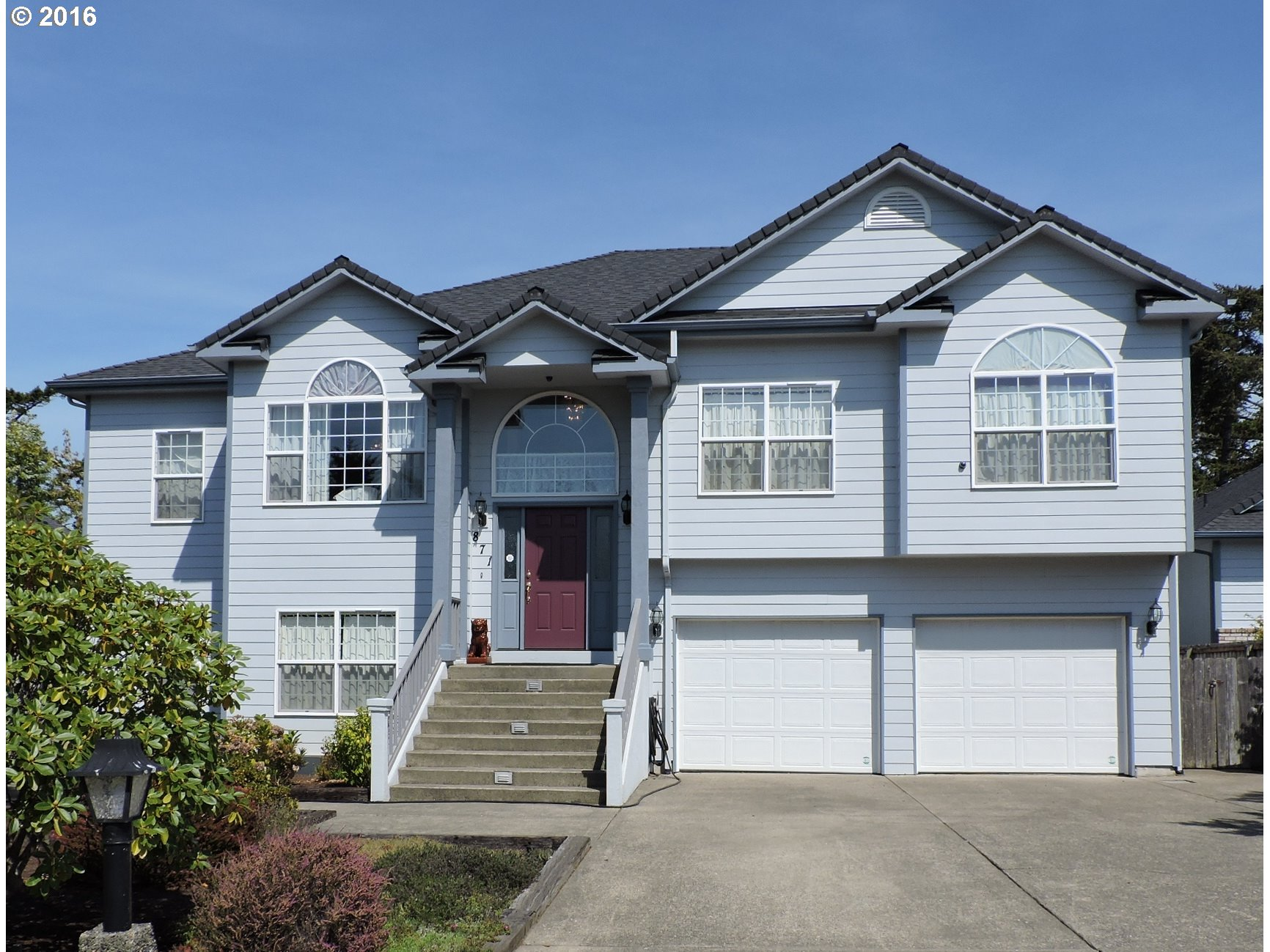 871 8TH ST, Florence, OR 97439