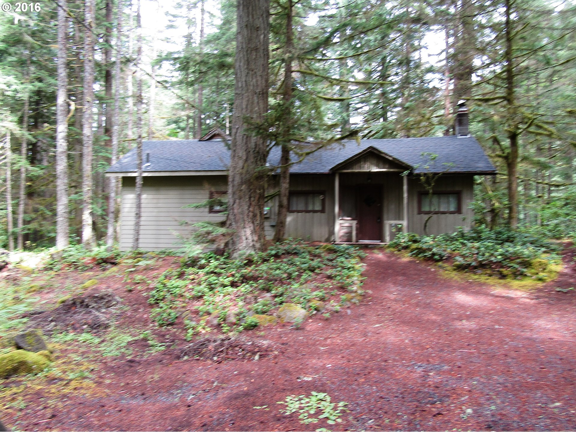 76302 E ROAD 29, Rhododendron, OR 97049