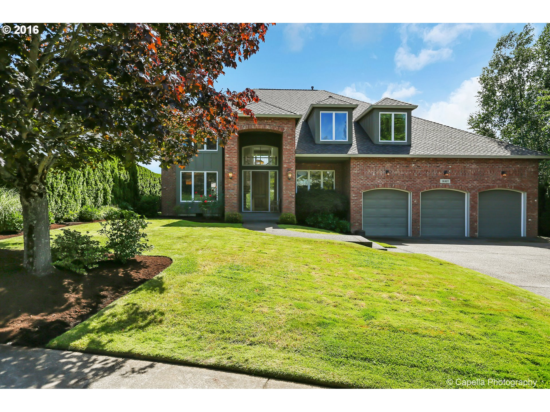 $1,000,000 - 4Br/4Ba -  for Sale in South Shore Estates, Lake Oswego
