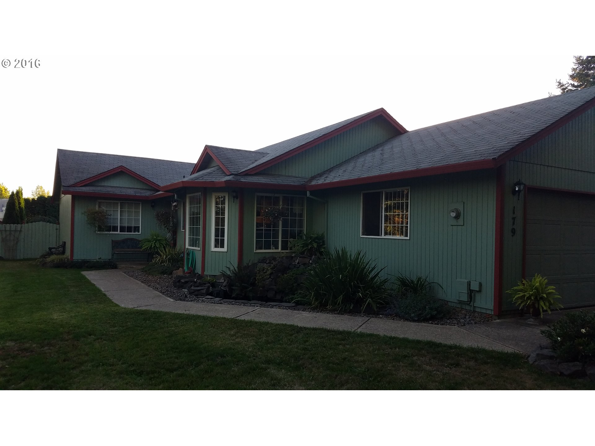 179 SW 3RD ST, Dundee, OR 97115