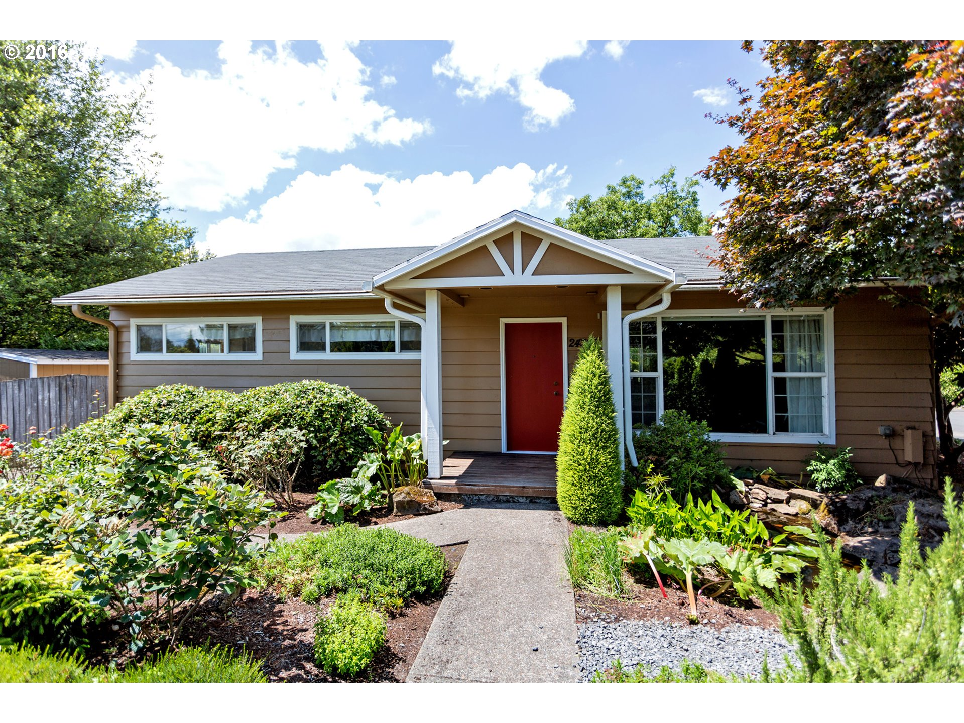 24305 SW BOONES FERRY RD, Tualatin, OR 97062