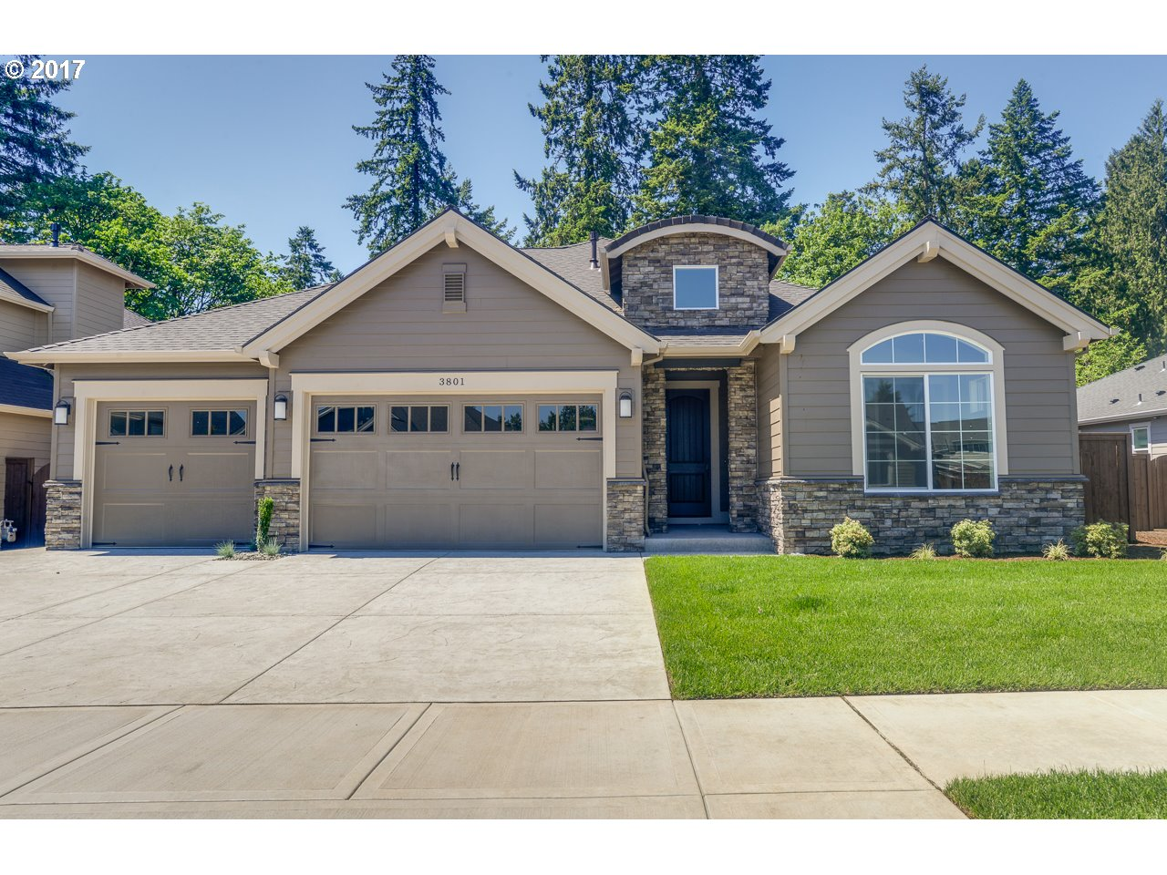 3801 SE PIPERS DR, Hillsboro, OR 97123