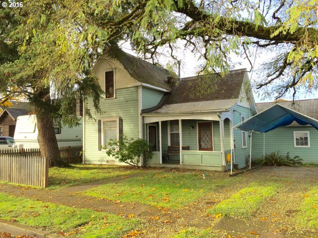 89 N 2ND ST, Creswell, OR 97426