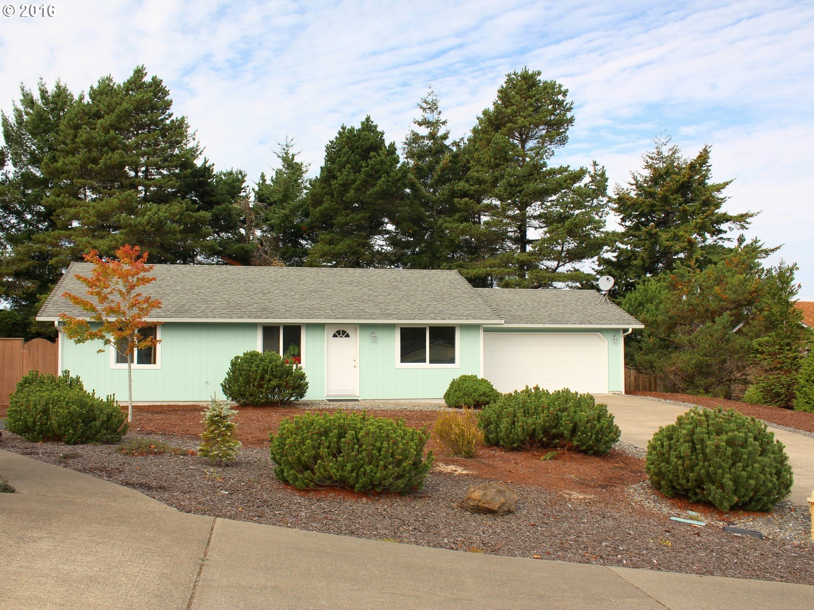 1355 ZEBRAWOOD CT, Florence OR 97439
