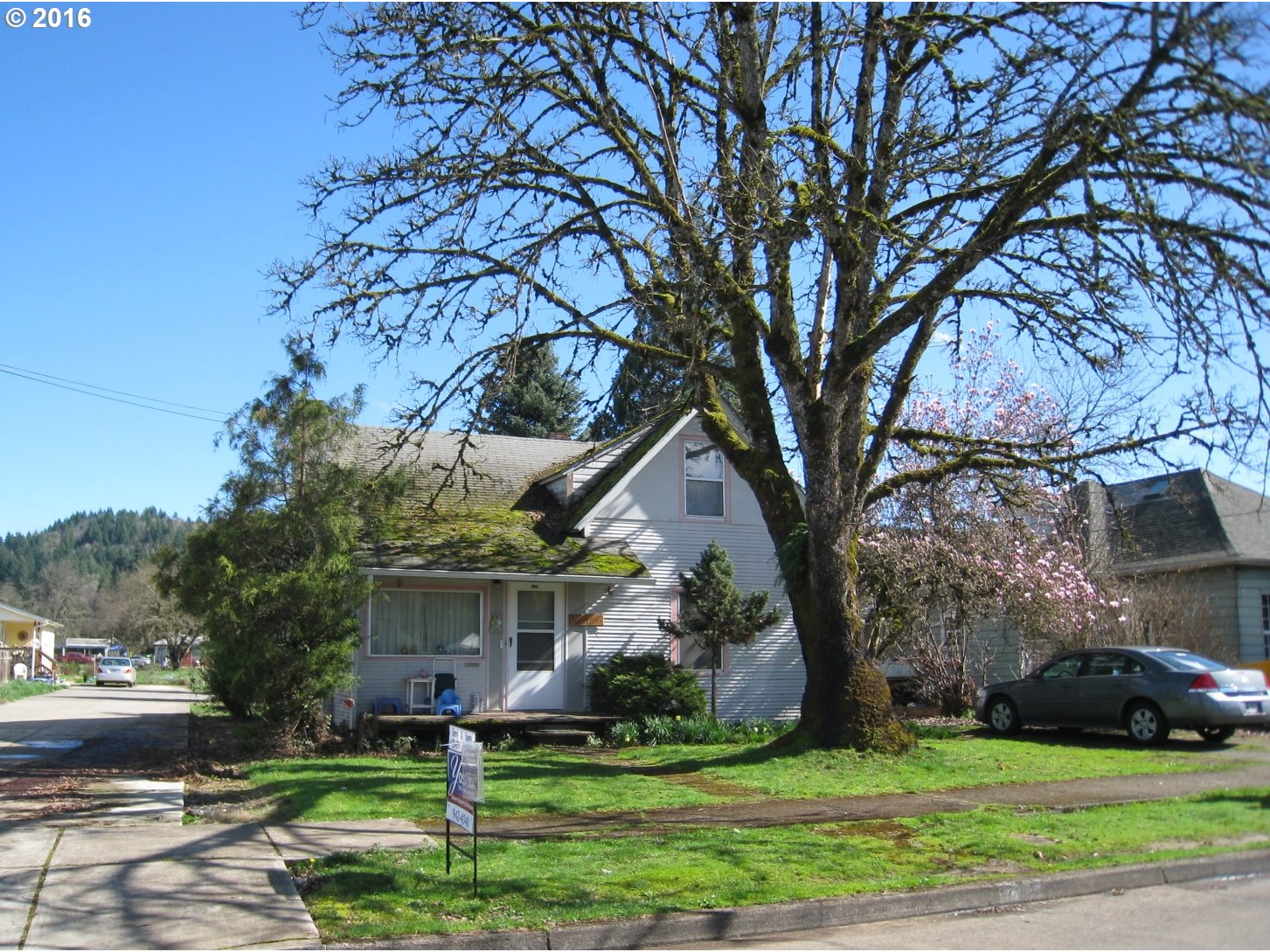 724 S 8TH ST, Cottage Grove, OR 97424