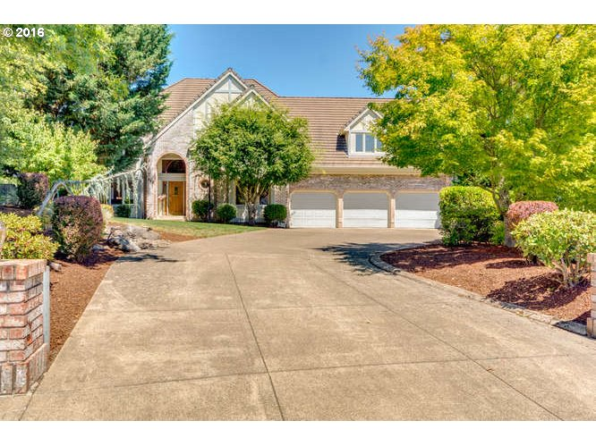 715 NW MICHELBOOK CT, McMinnville, OR 97128
