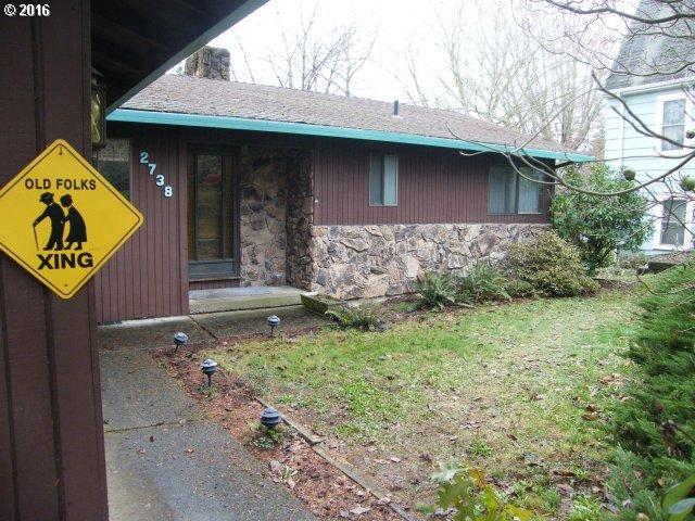 2738 SW MOSS ST, Portland OR 97219