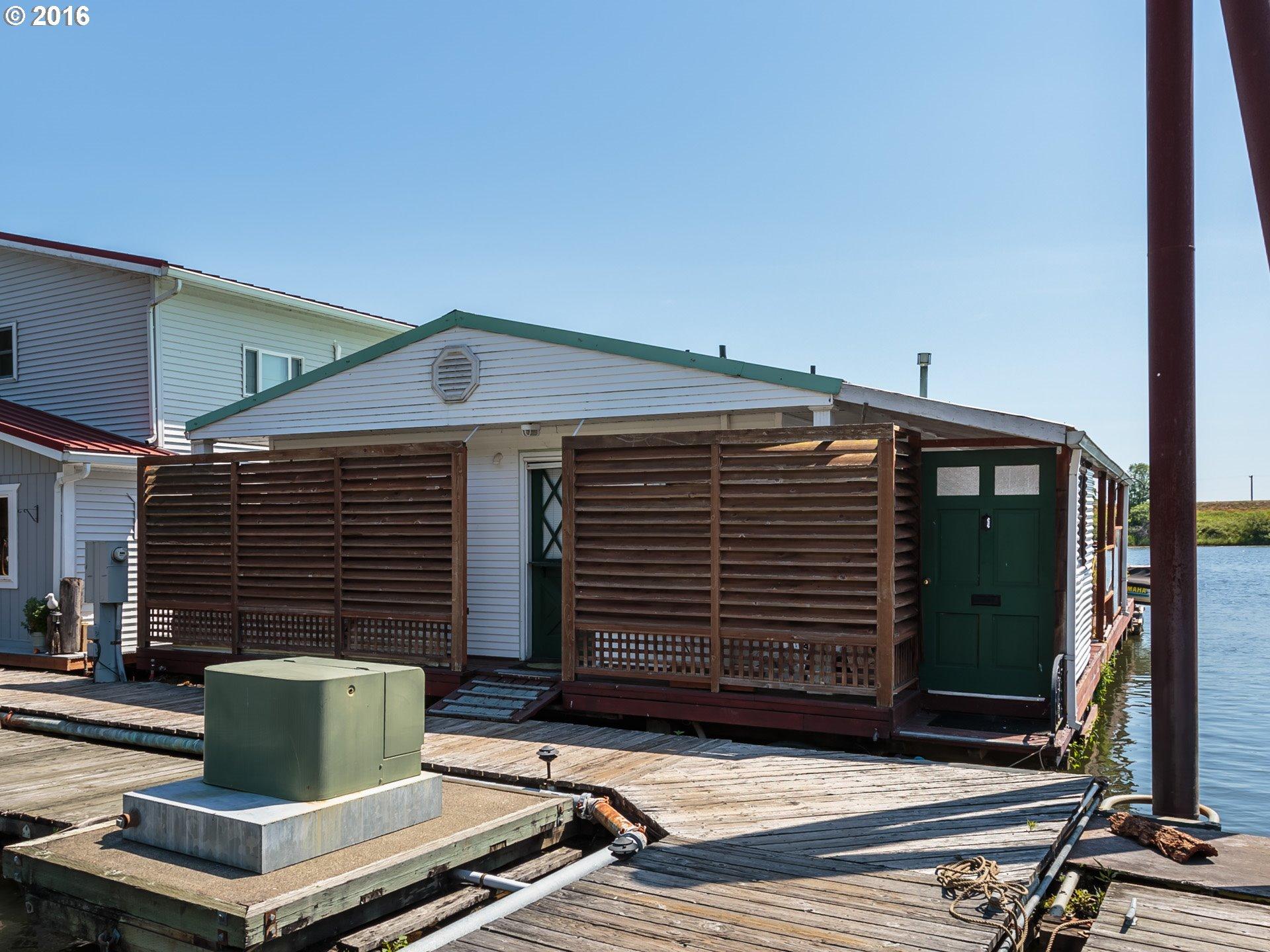 floating homes for sale in portland oregon houseboats moorages and floating homes in portland