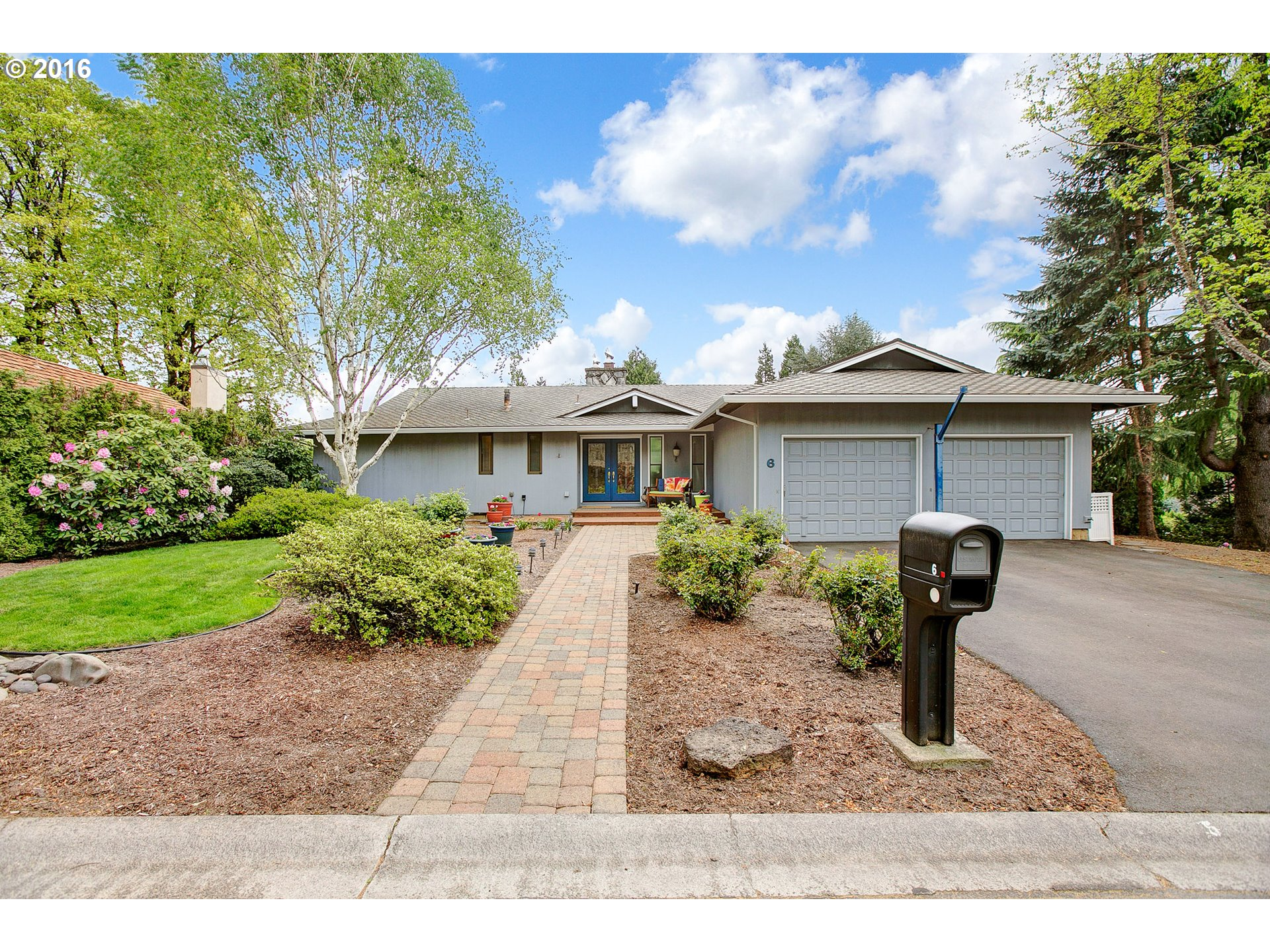 6 TANGLEWOOD DR, Lake Oswego OR 97035