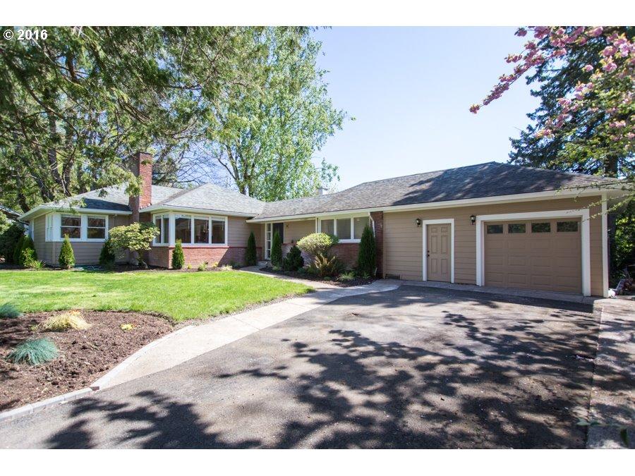 8360 SW RIDGEWAY DR, Portland OR 97225
