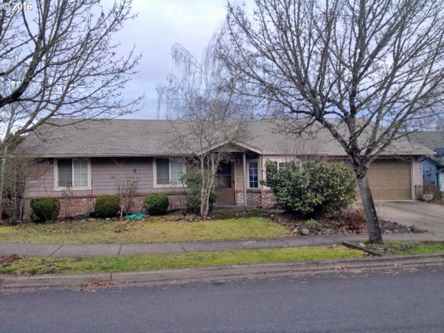 829 S 32ND PL, Springfield OR 97478