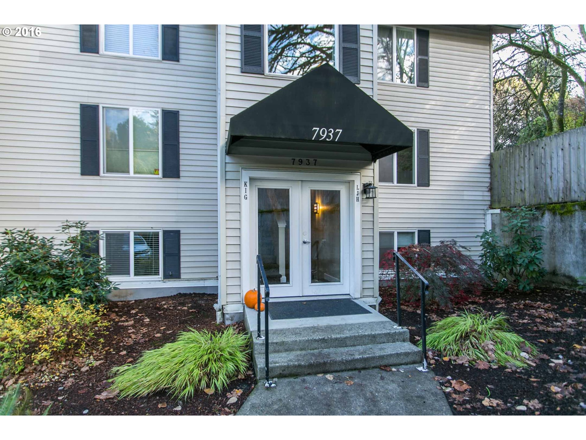 7937 SW 40TH AVE, Portland, OR 97219
