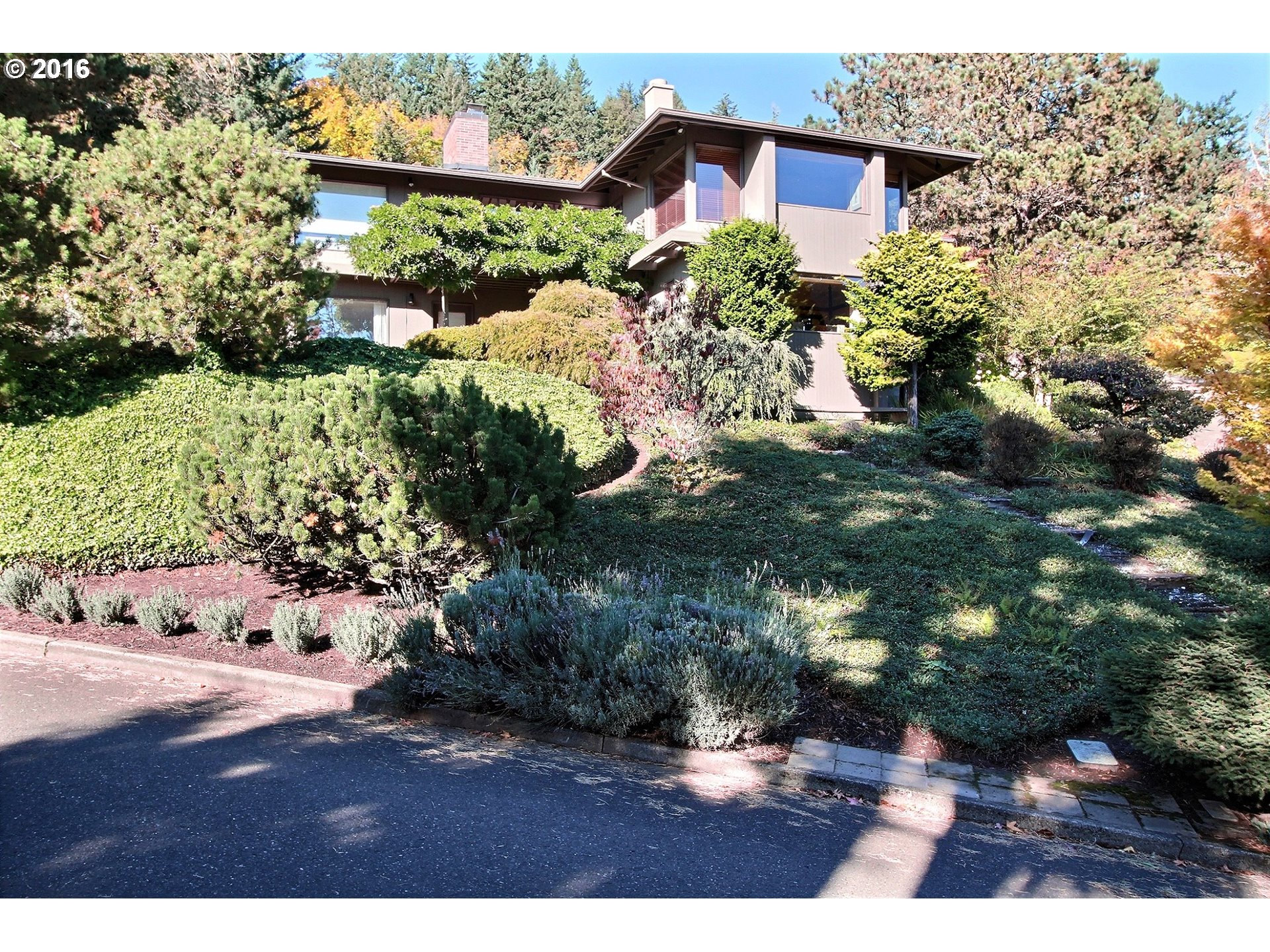 4035 SW DOWNS VIEW CT, Portland OR 97221