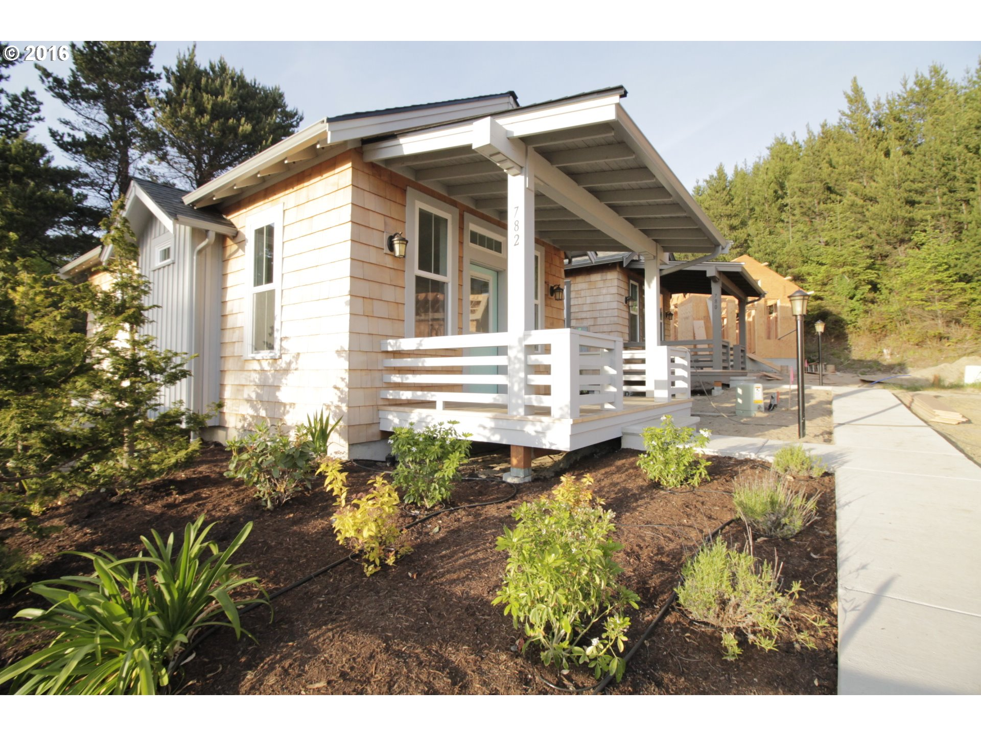 Floating homes for sale in portland oregon houseboats for On your lot builders oregon