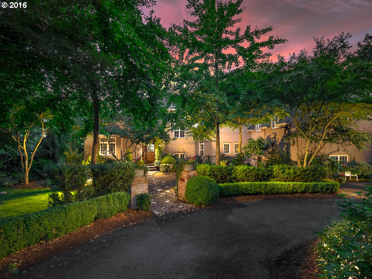 $999,999 - 4Br/5Ba -  for Sale in Tigard