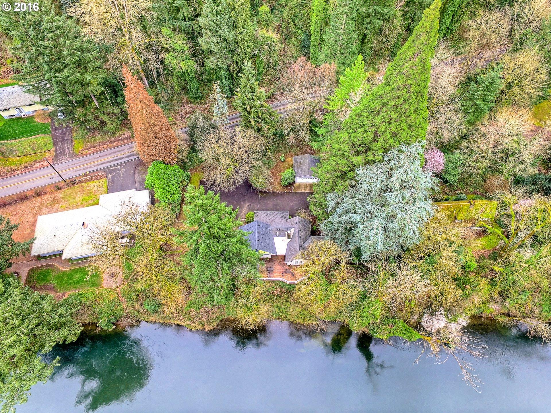 14531 CLACKAMAS RIVER DR, Oregon City OR 97045