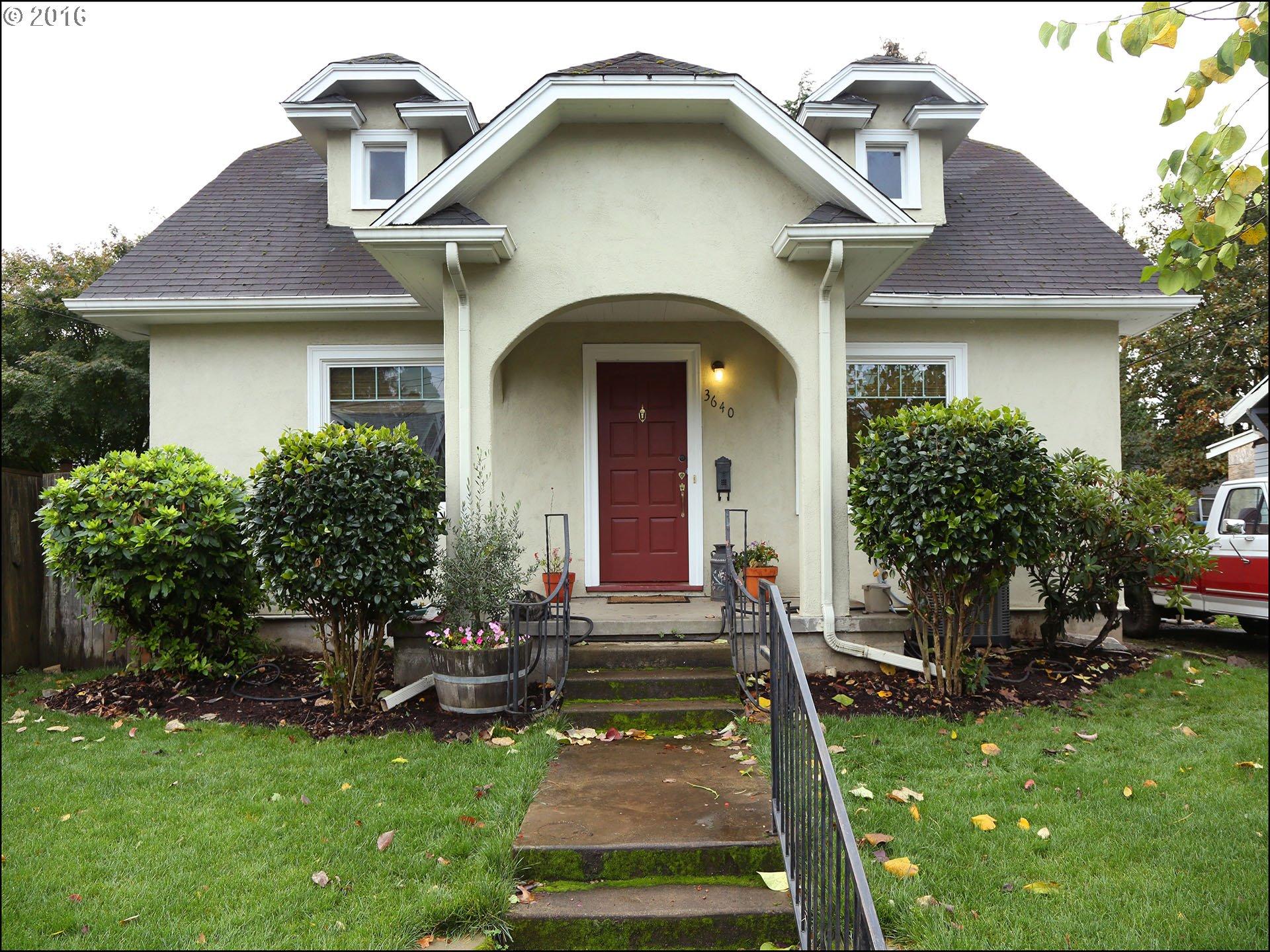 3640 SE CENTER ST, Portland OR 97202